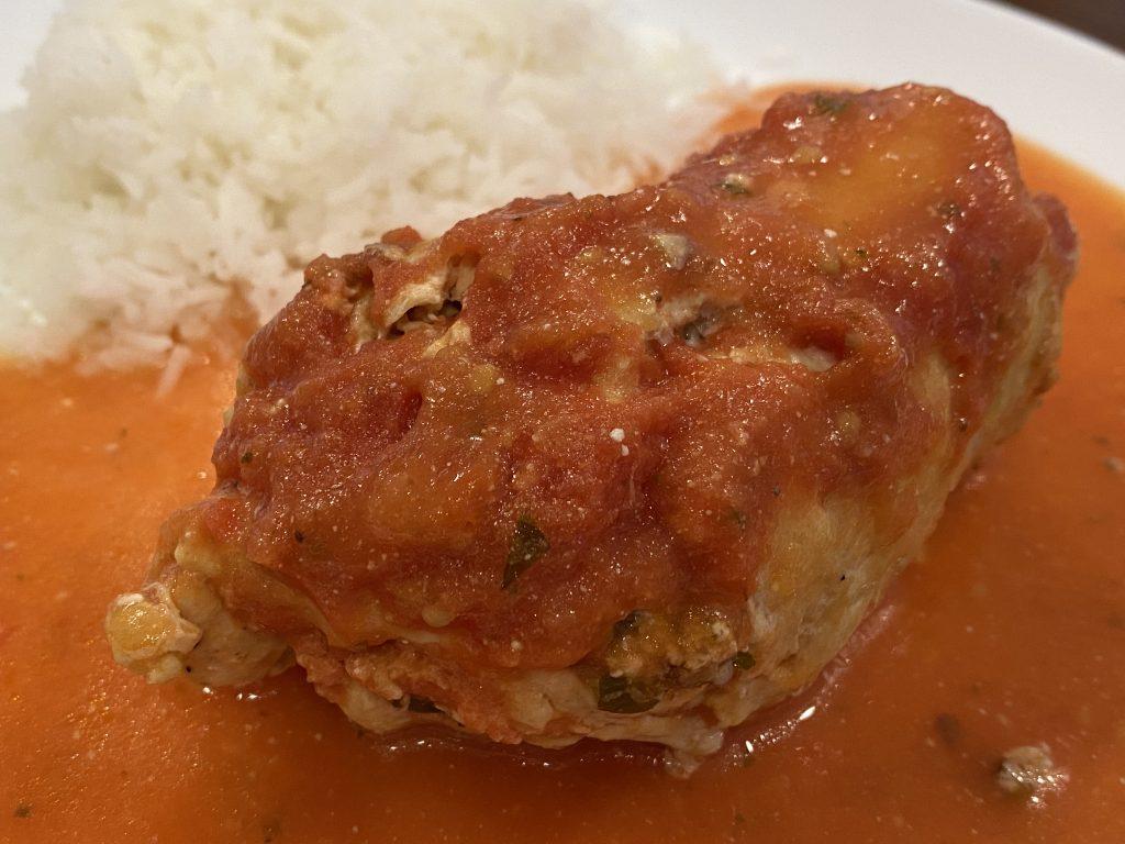 Pollo relleno de queso de cabra